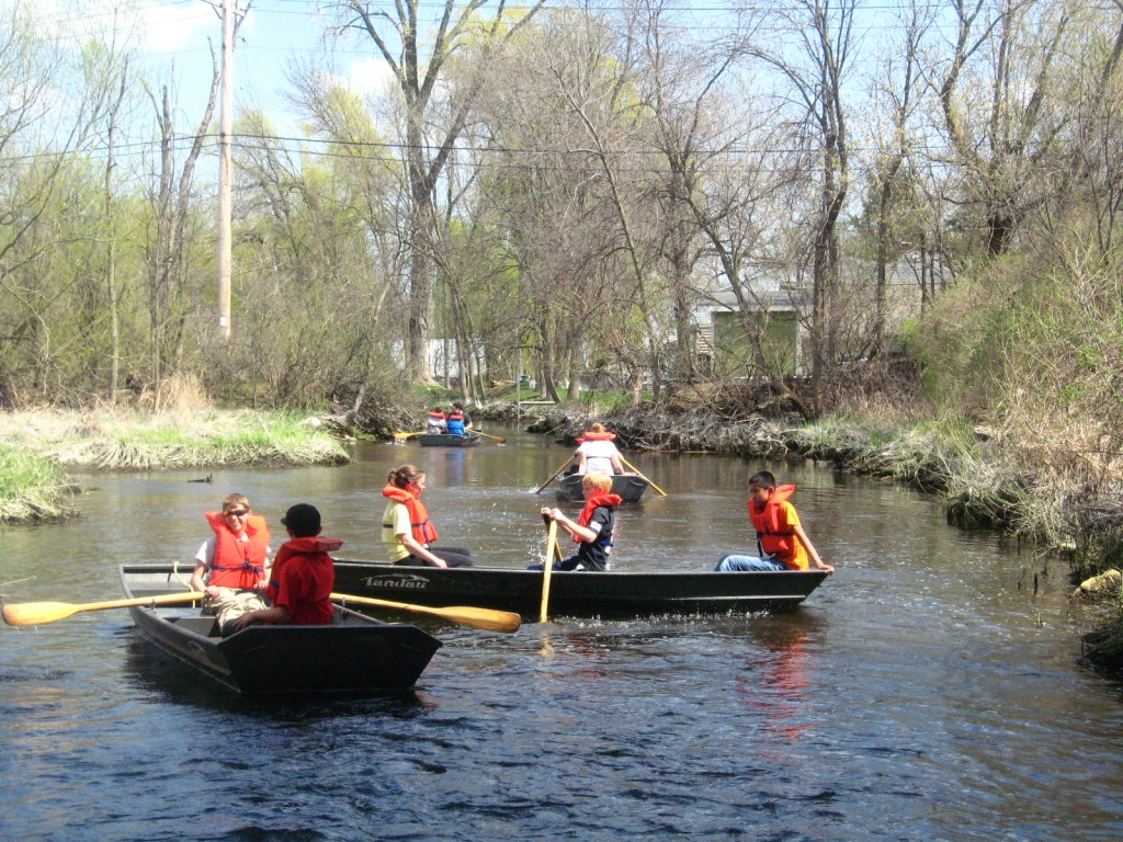 Pewaukee 6th Graders on the Pewaukee River